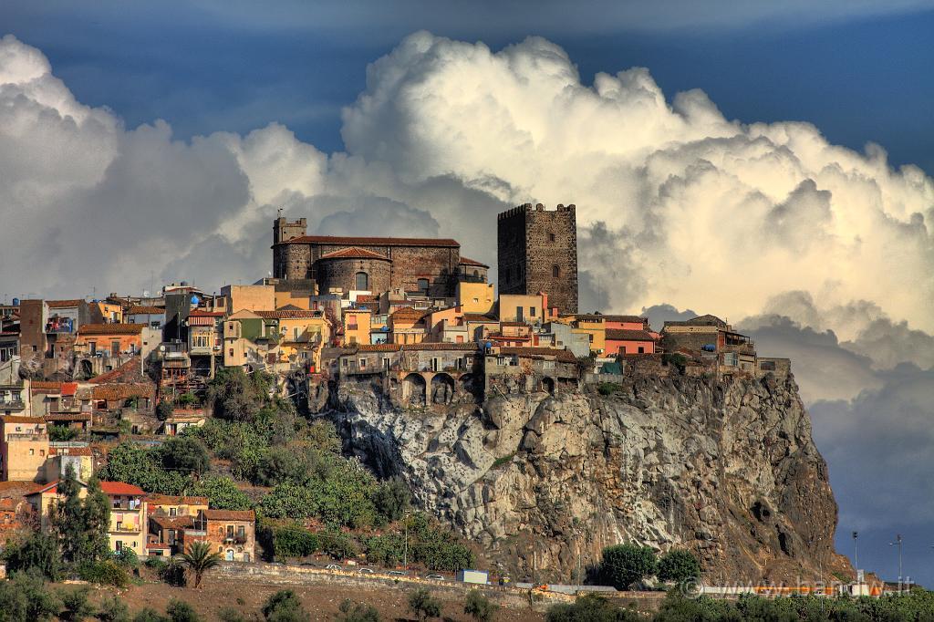Mostra fotografica gente di sicilia popoli e paesi del for Mondo catania